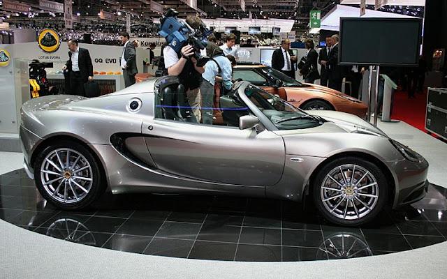 2011 Lotus Elise side