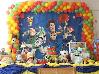 Cupcakes e Cakepops Toy Story - Buzz Lightyear, Woody, Slinky e Rex