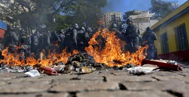 Mundial de fútbol, Reuters, protestas