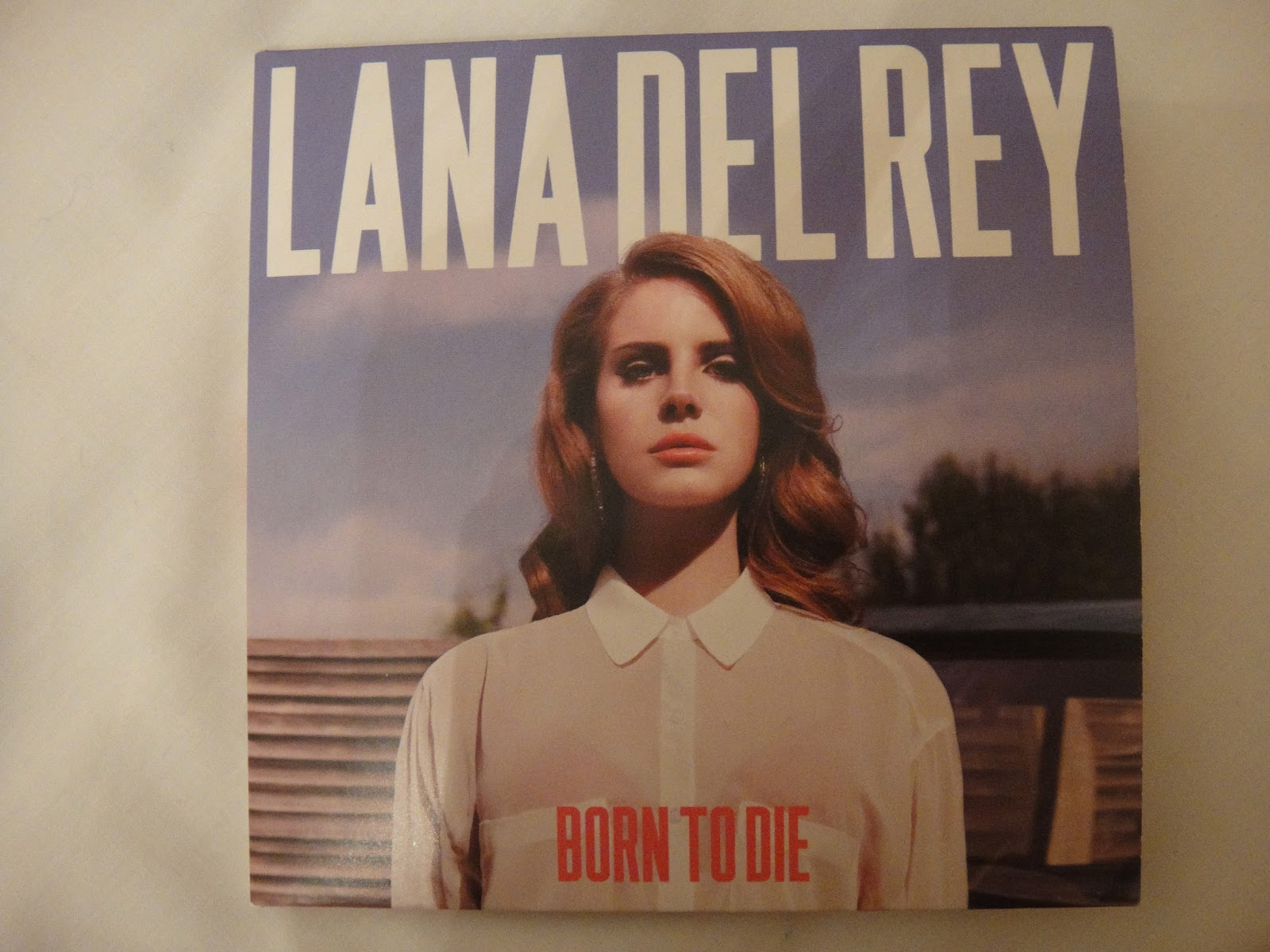 The gallery for --> Born To Die Deluxe Edition Album Cover