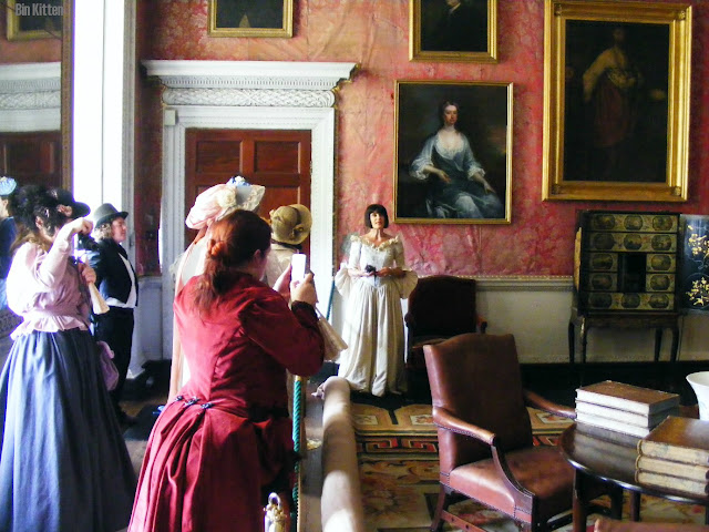 tour Castletown House, Victorian costumes
