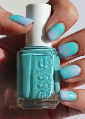 Gradient nails with Essie In the Cab-ana