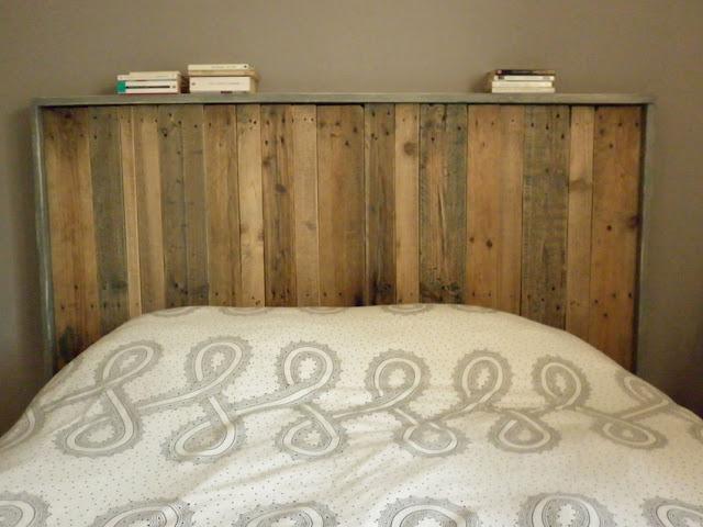 Faire une t te de lit avec de palettes en bois - Tete de lit avec des palettes ...