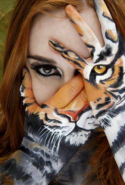 seni melukis tangan yang keren dan kreatif-19