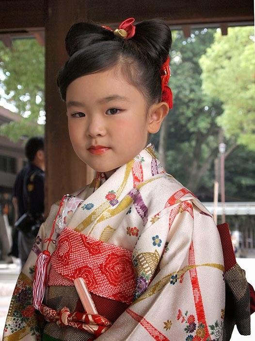 Girl in Kimono - Meiji Jingu temple, Tokyo