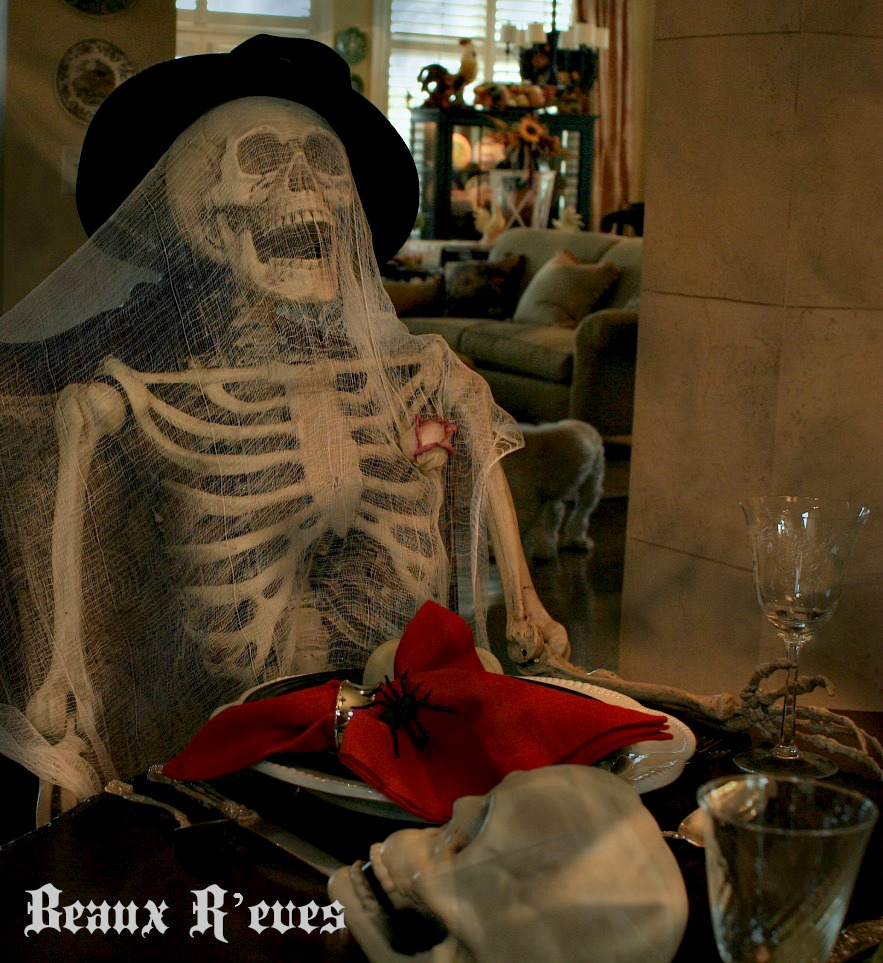 Beaux r 39 eves the haunted dining room how to 39 s for Haunted dining room ideas