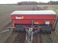 After snow… sowing with Tume JC Star XL 3000 seed drill