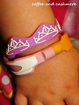 Mungi Bands, silicone bracelets with magnets to connect for kids