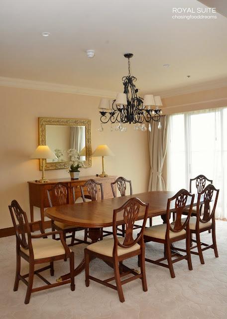 Mahogany Grand Dining Room Table
