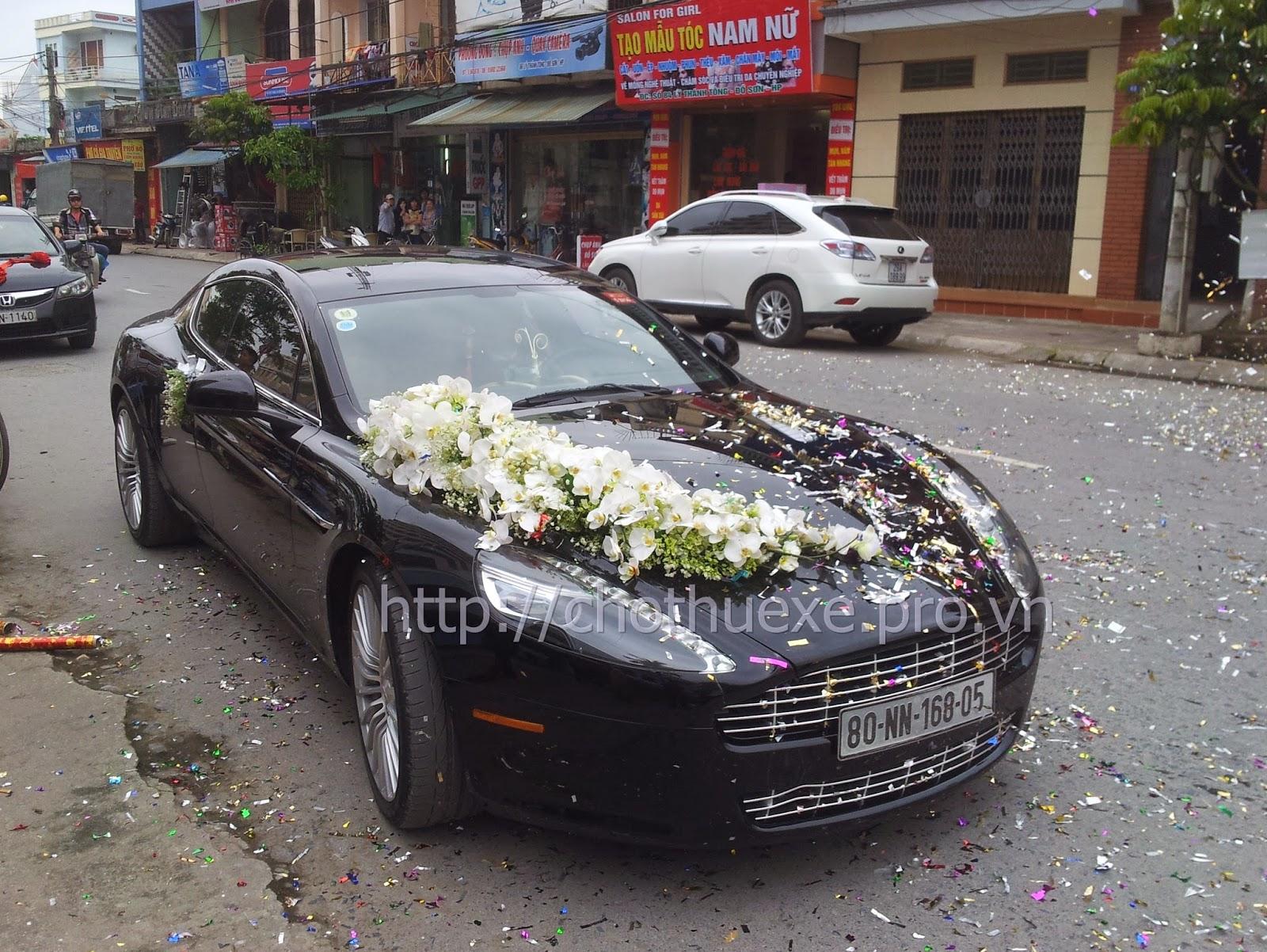 Cho thuê xe cưới  Aston Martin Rapide - siêu xe đẳng cấp tại Hà Nội 1