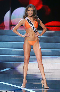 Who's Hotter: Miss USA 2013 or Miss America 2013?