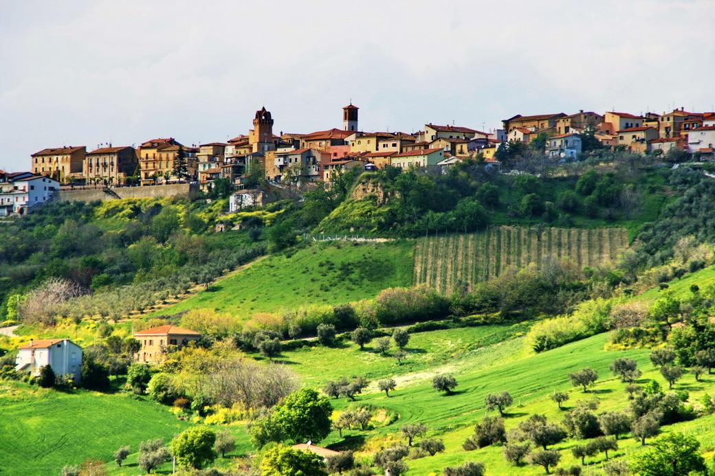 Paesaggio teramano rivista redatta da sergio scacchia in - Lenzuola da colorare romane ...