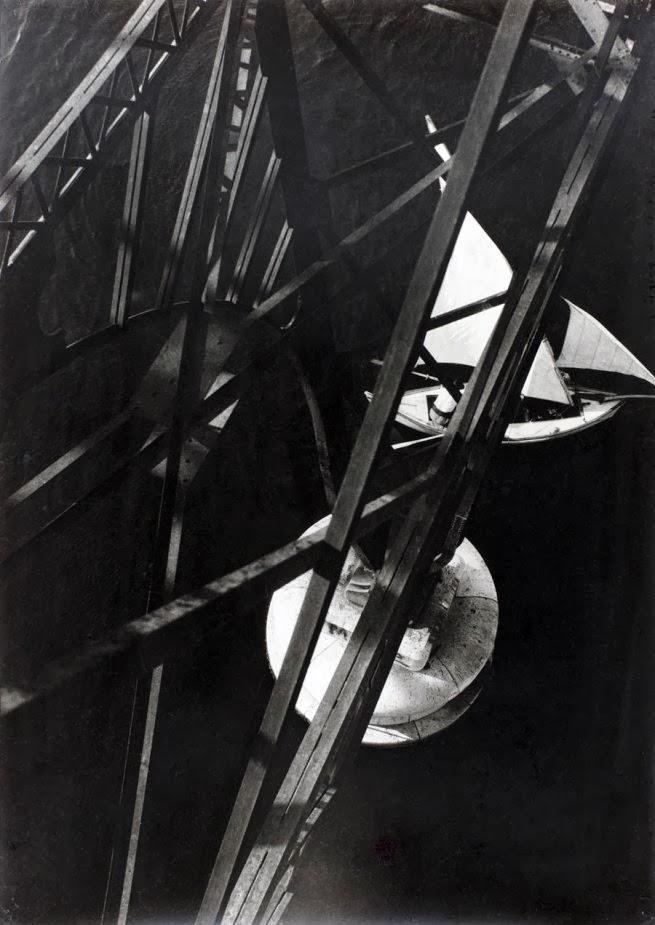 Doctor Ojiplático. Impressionen vom alten marseiller Hafen (vieux port). (1929). László Moholy-Nagy. Sinfonía Urbana (City Simphony) | Pont Transbordeur Marseilles. László Moholy-Nagy 1929