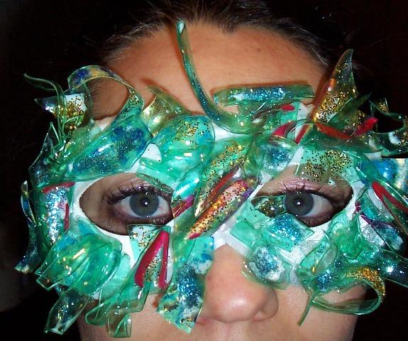 Maschera realizzata con il Riciclo Creativo delle Bottiglie di Plastica