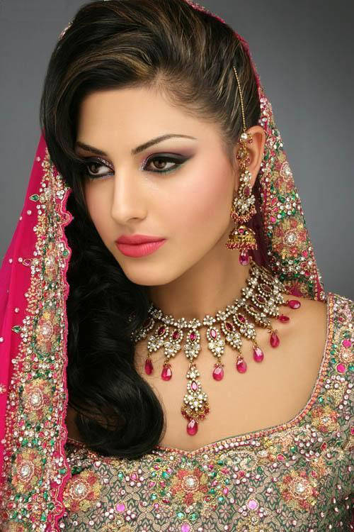 indian bridal with jewellery and make up