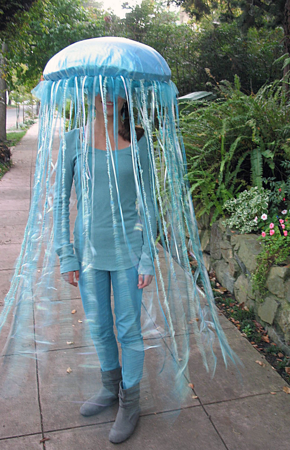 Capers and crayons happy halloween jellyfish costume 1 get yourself solutioingenieria Choice Image