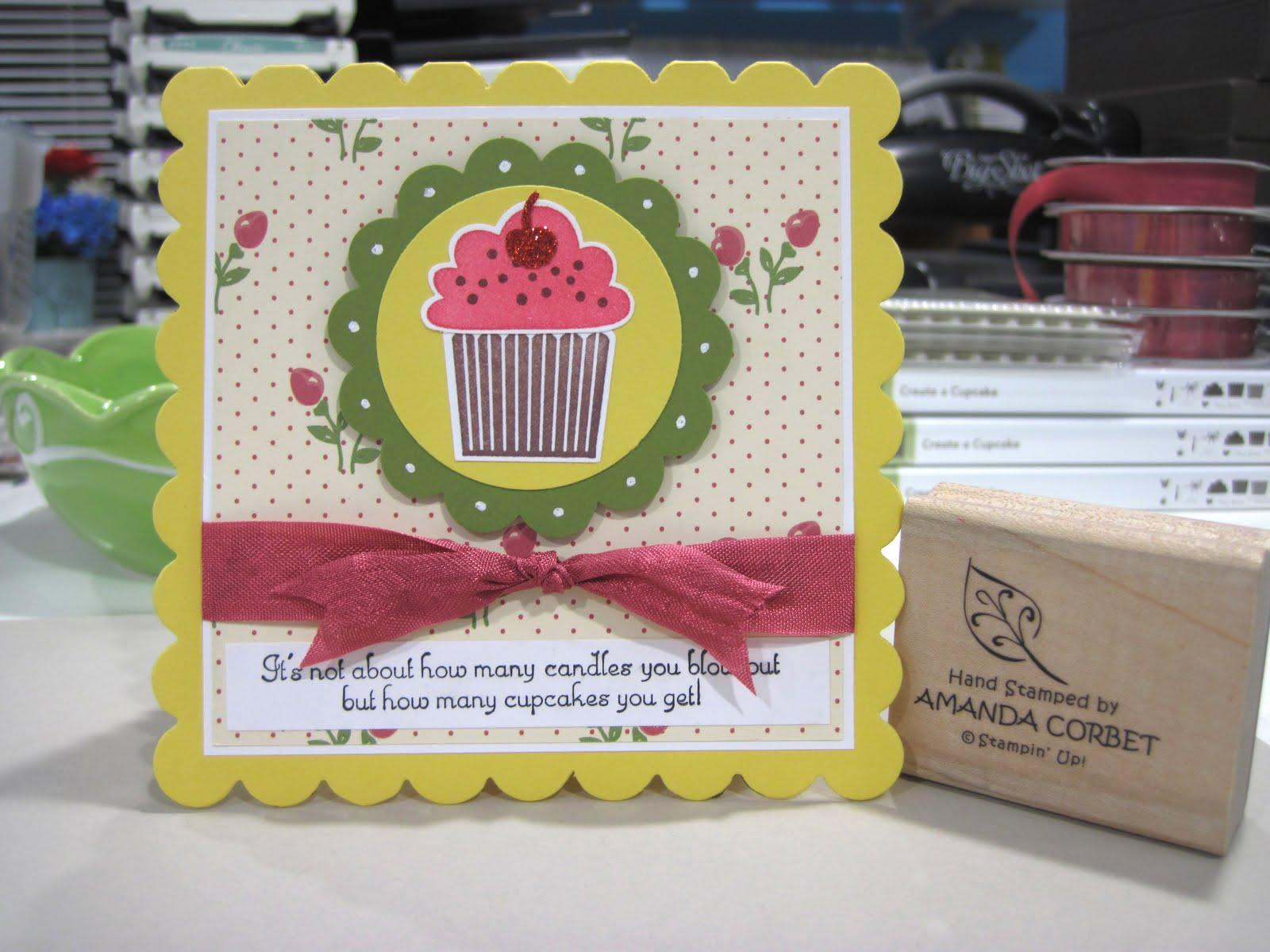 Daffodil Square Cupcake
