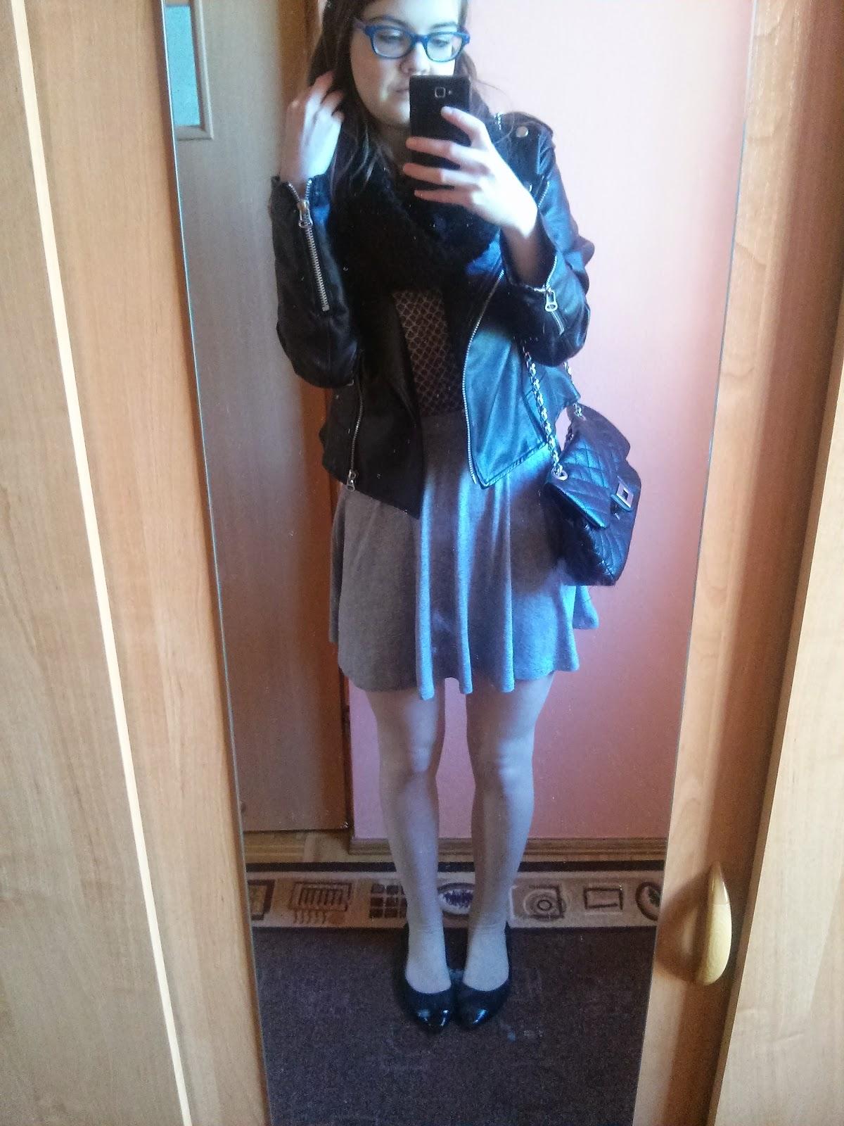 OOTD: Bluzka z nadrukiem a'la koc babci+ szara skater skirt