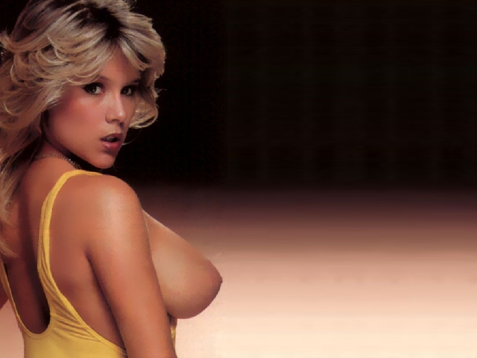 playing naked with samantha fox herself pictures