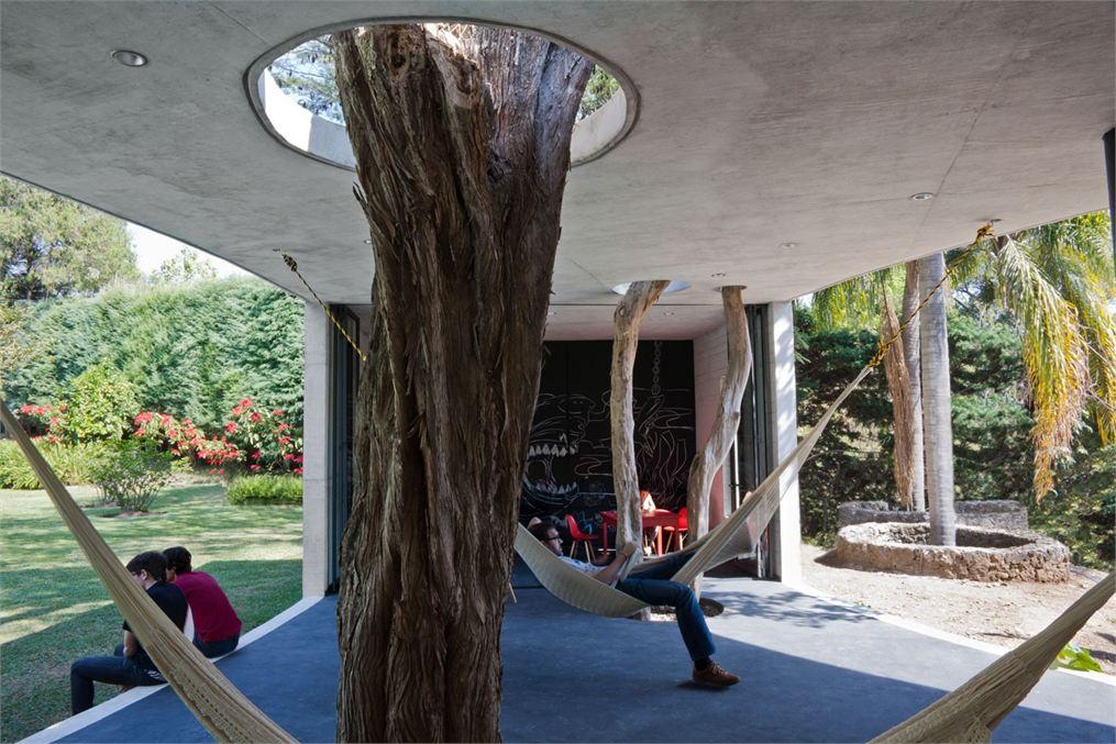 Blog vivir con rboles dentro y fuera for Casa de los azulejos por dentro