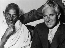 Charles Chaplin e Ghandi