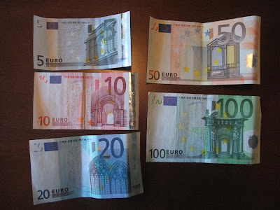 Euros, exchange dollars to euros, before vacation, trip