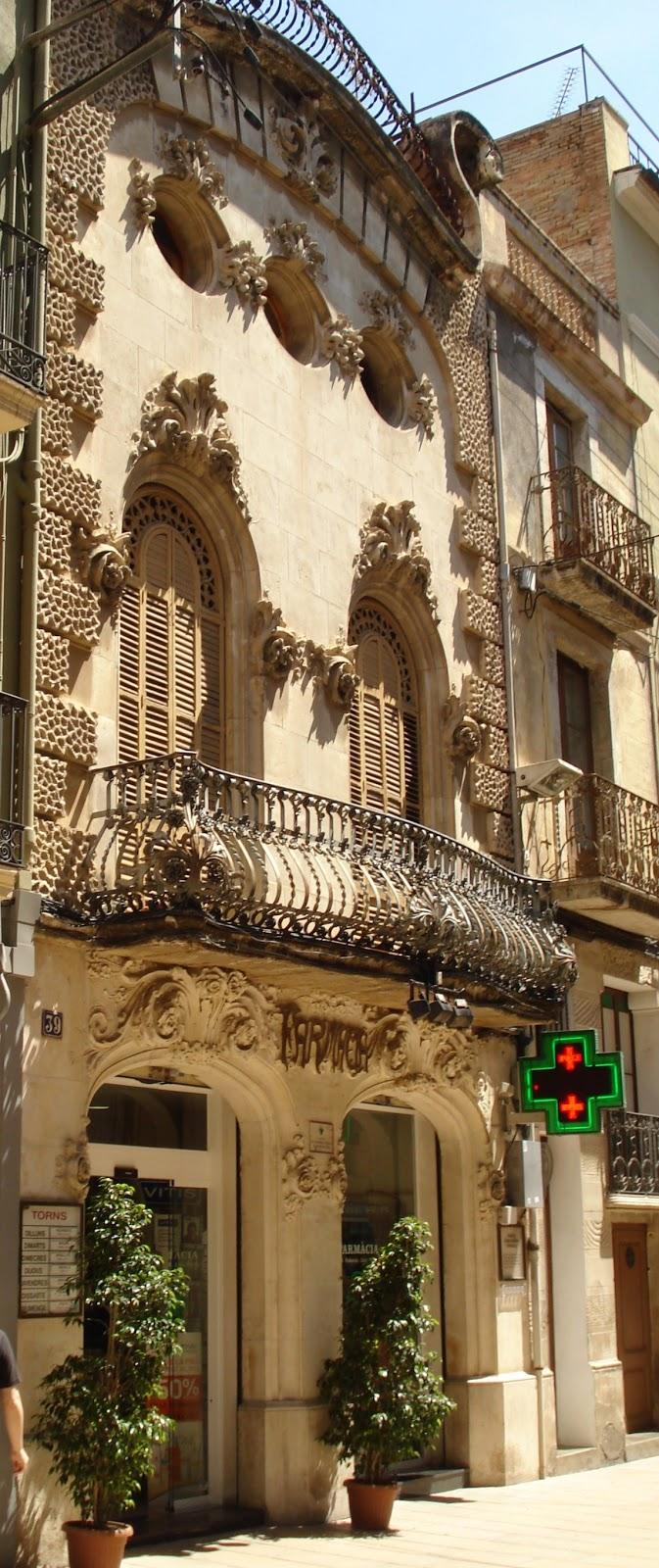 Tot son punts de vista la casa josep guasch i estalella for Morato vilafranca