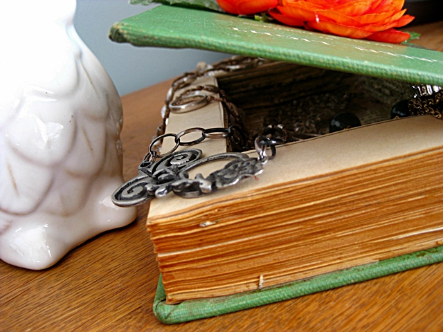 Eat Sleep Decorate DIY Jewelry Box