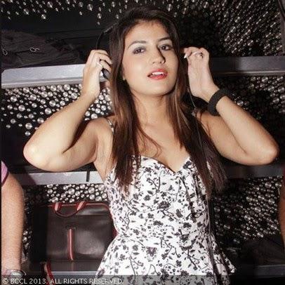 Artis Bollywood India Shikha Joshi