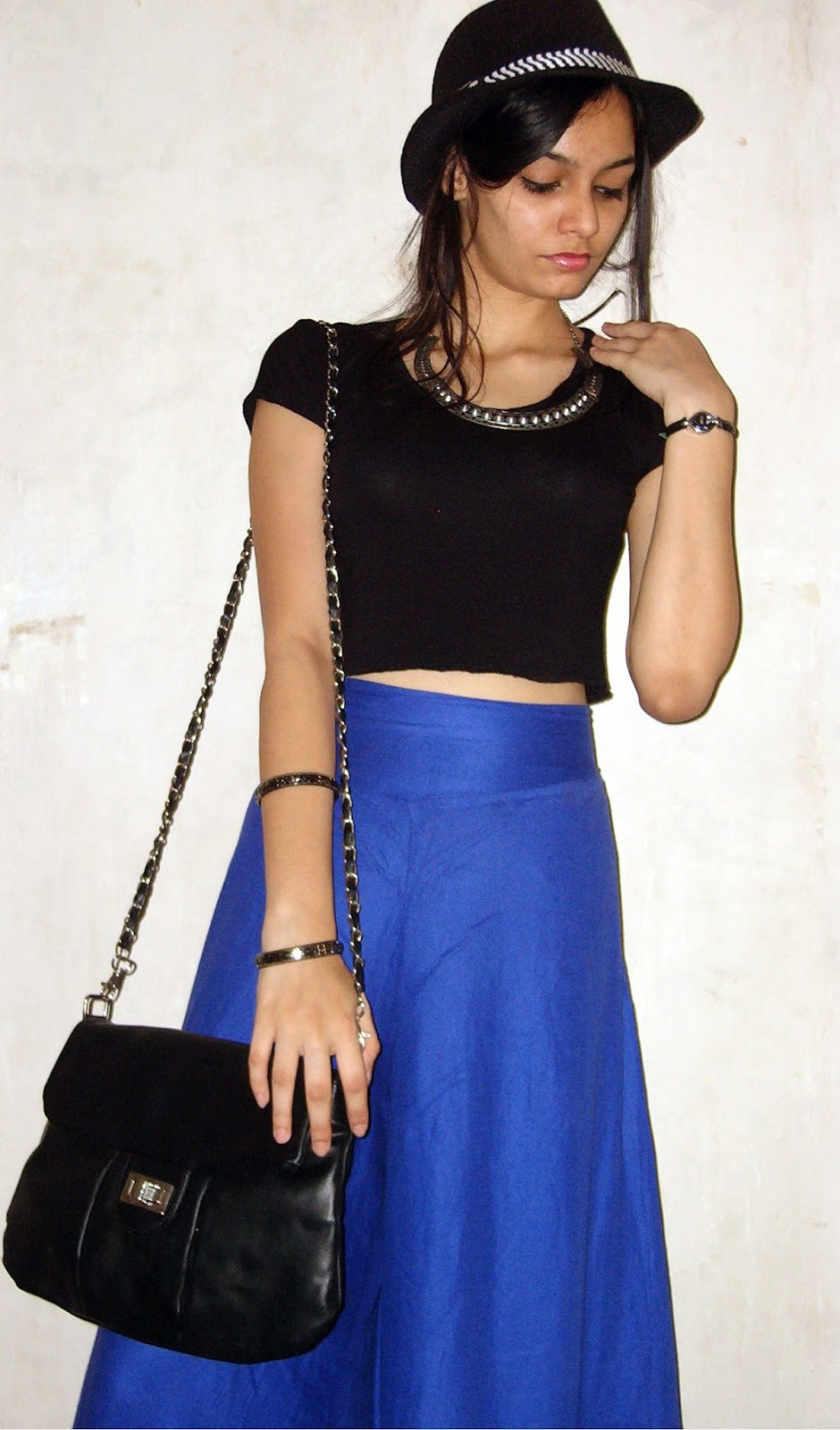 how to wear hats, mumbai streetstyle, fashion blogger, desi, palazzo pants, black crop top, how to wear crop tops, how to wear wide leg pants, blue pants