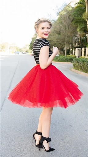 Top Red Short Tulle Skirt