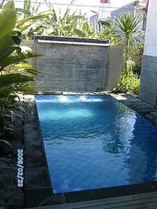 gambar kolam renang minimalis