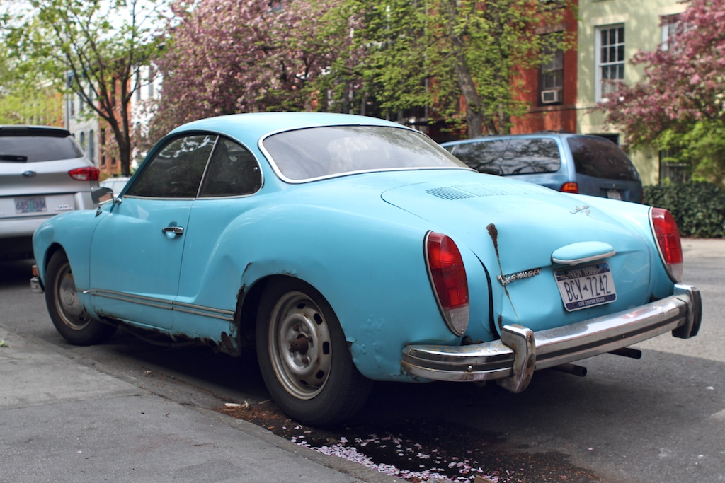 THE STREET PEEP: 1971 Volkswagen Karmann Ghia