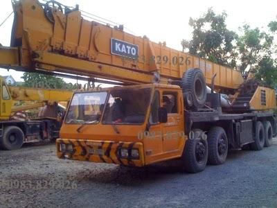 cho thuê cẩu chuyên dùng 70 tấn