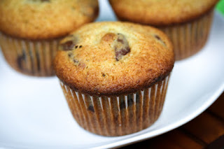 banana-chocolate-chip-muffins