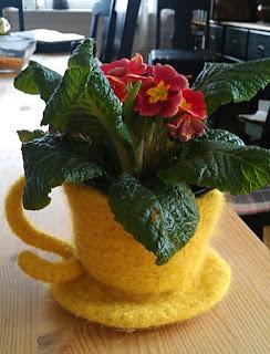 Вязаные горшки для цветов