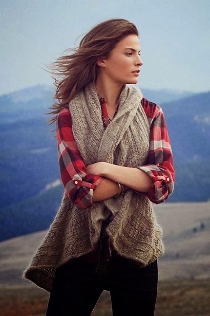 Adorable Scarf Sweater With Checked Shirt And Black Jeans