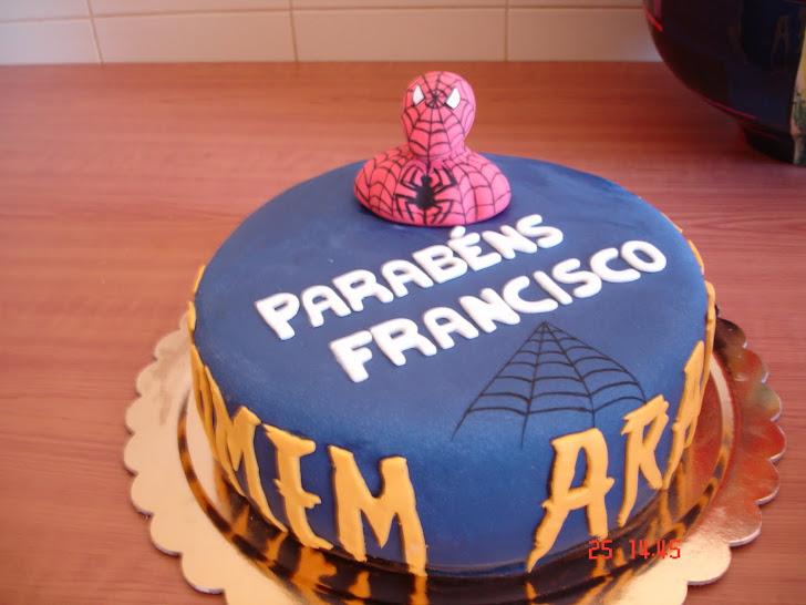 Bolo de aniversário decorado com o Homem Aranha