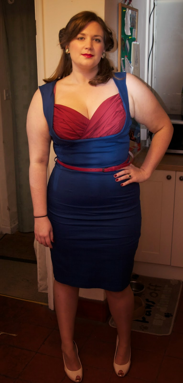 Curvy Girl Thin: A Pin-Up Swoon