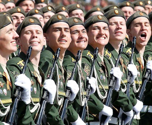 O sorriso amarelo foi de praxe. As coisas estão andando mal na nova-Rússia.