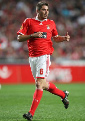Javi Garcia Benfica 2011, Ferguson keen to sign Javi Garcia from Benfica