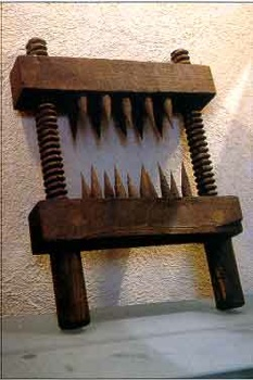 Hervorragend Top 10 des instruments de torture médiévaux les plus cruels  QY14