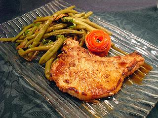 Côtes de porc au gingembre sur plancha