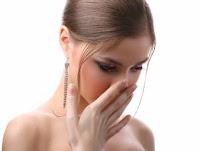 9 Cara Mengatasi Bau Mulut yang Tidak Sedap