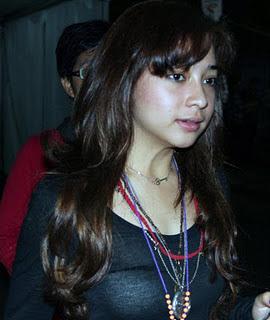 Foto Hot Bra Nikita Willy dapat Diterawang - raxterbloom.blogspot.com