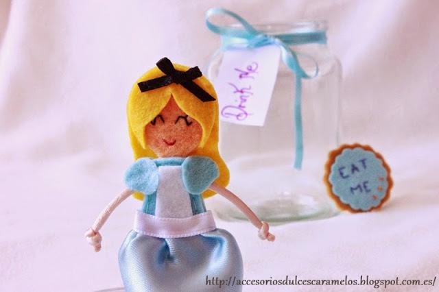 Muñeca fieltro Alicia
