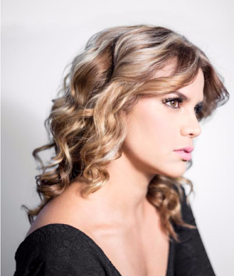 Adriana-Lucía-nominada-mejor-artista-femenina-premios-Heat-música-latina