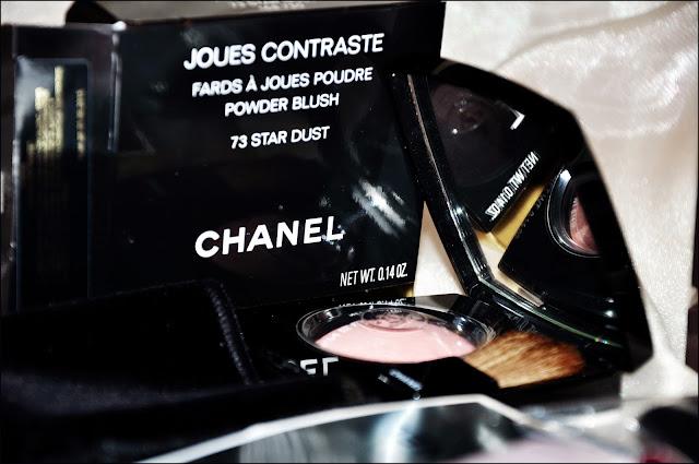 Румяна из рождественской коллекции: Chanel Joues Contraste Powder Blush #73 Star Dust