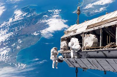 Bagaimana Penerbangan Ruang Angkasa Mempengaruhi Tubuh Manusia?