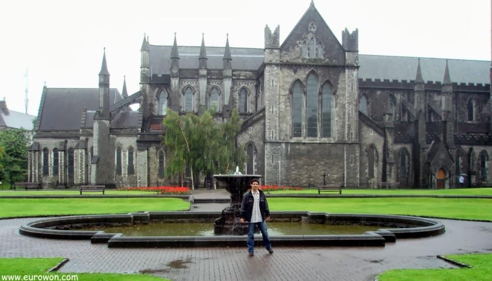 Catedral de Dublín un día de lluvia